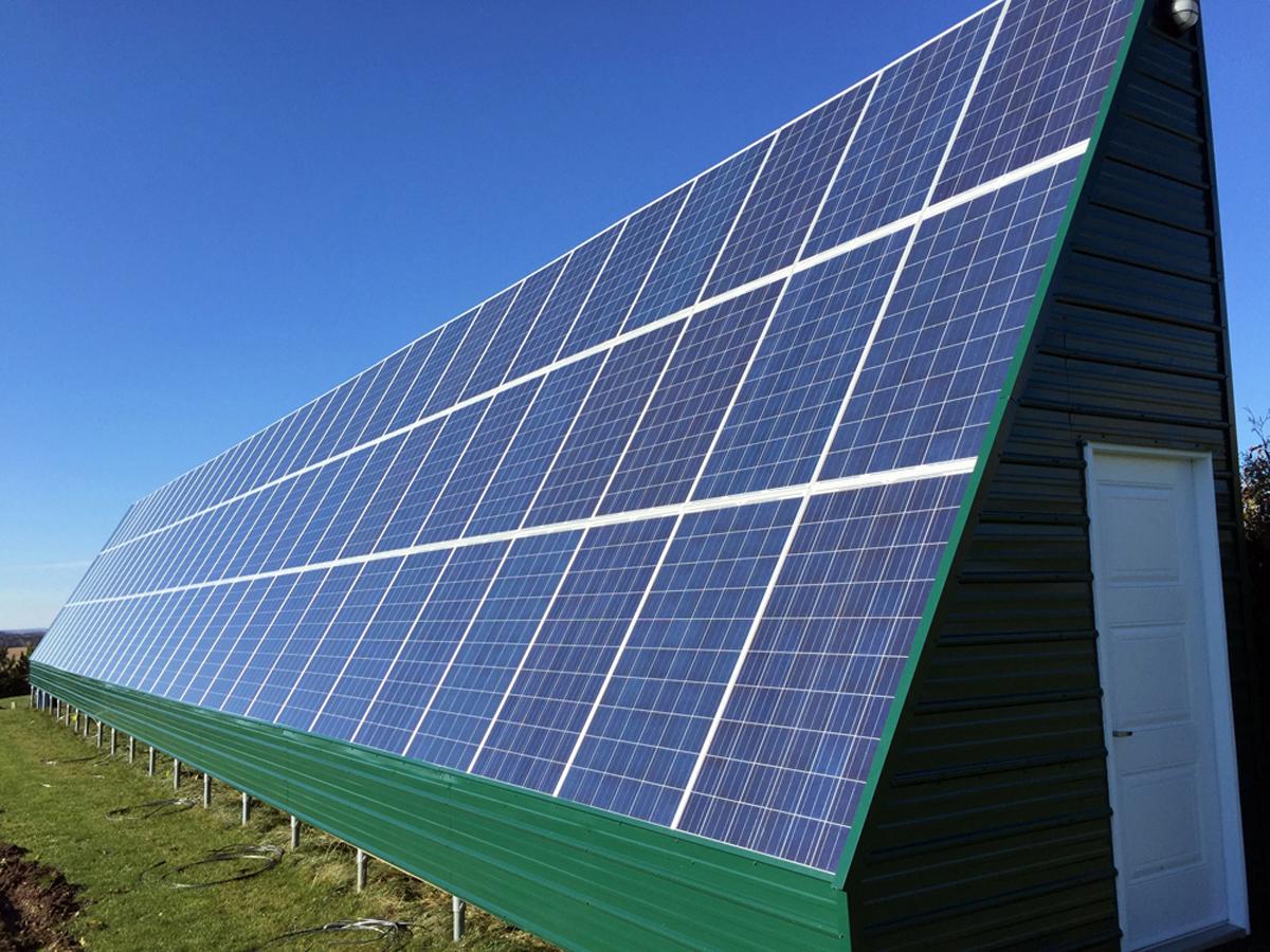 panneau solaire gratuit combien faut il de panneaux solaire pour chauffer ma maison with. Black Bedroom Furniture Sets. Home Design Ideas